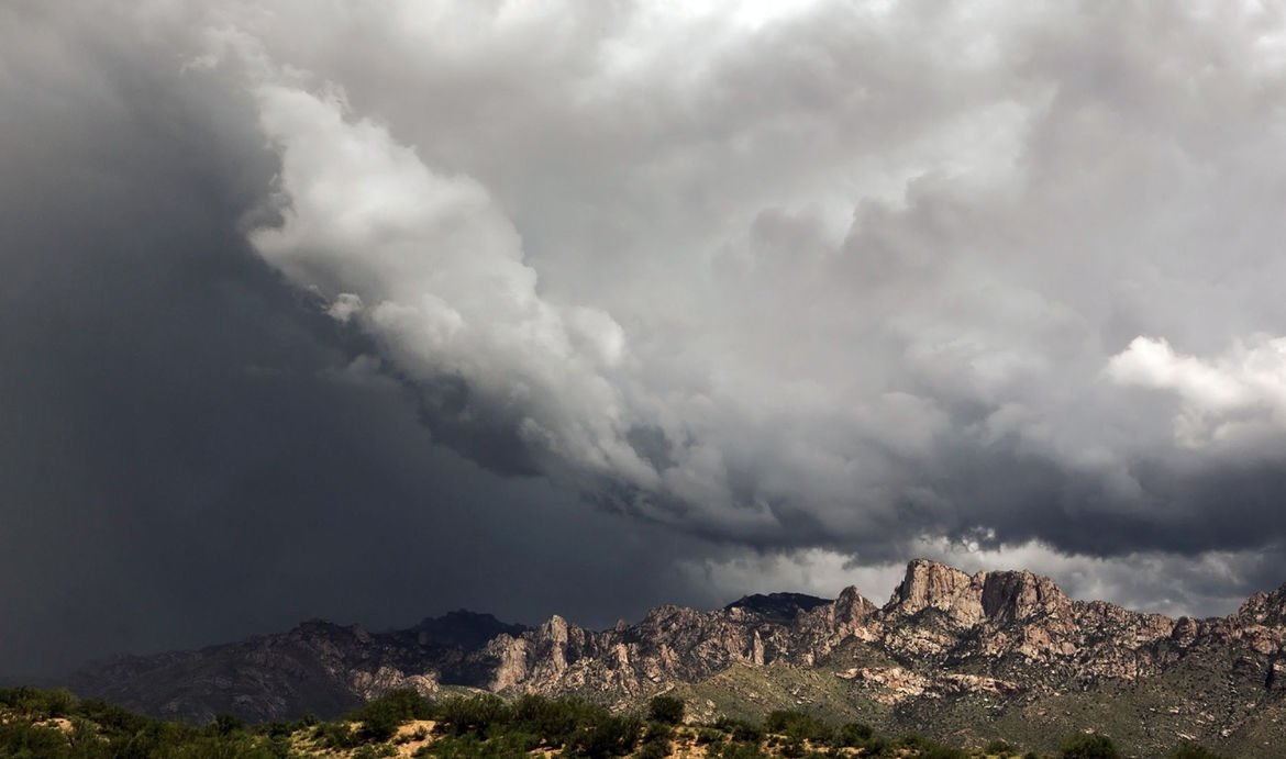 Tucson weather: Heavy rains skipped metro Tucson; blowing dust warning issued https://t.co/f4H2ObSEjH