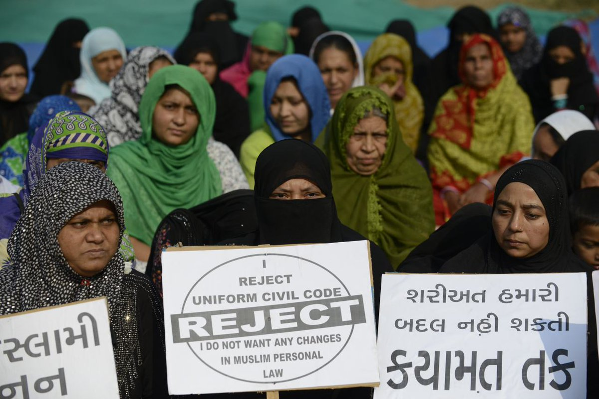 India court overturns law that let Muslim men instantly divorce their wives just by saying the word: https://t.co/wiAUcYLwdK