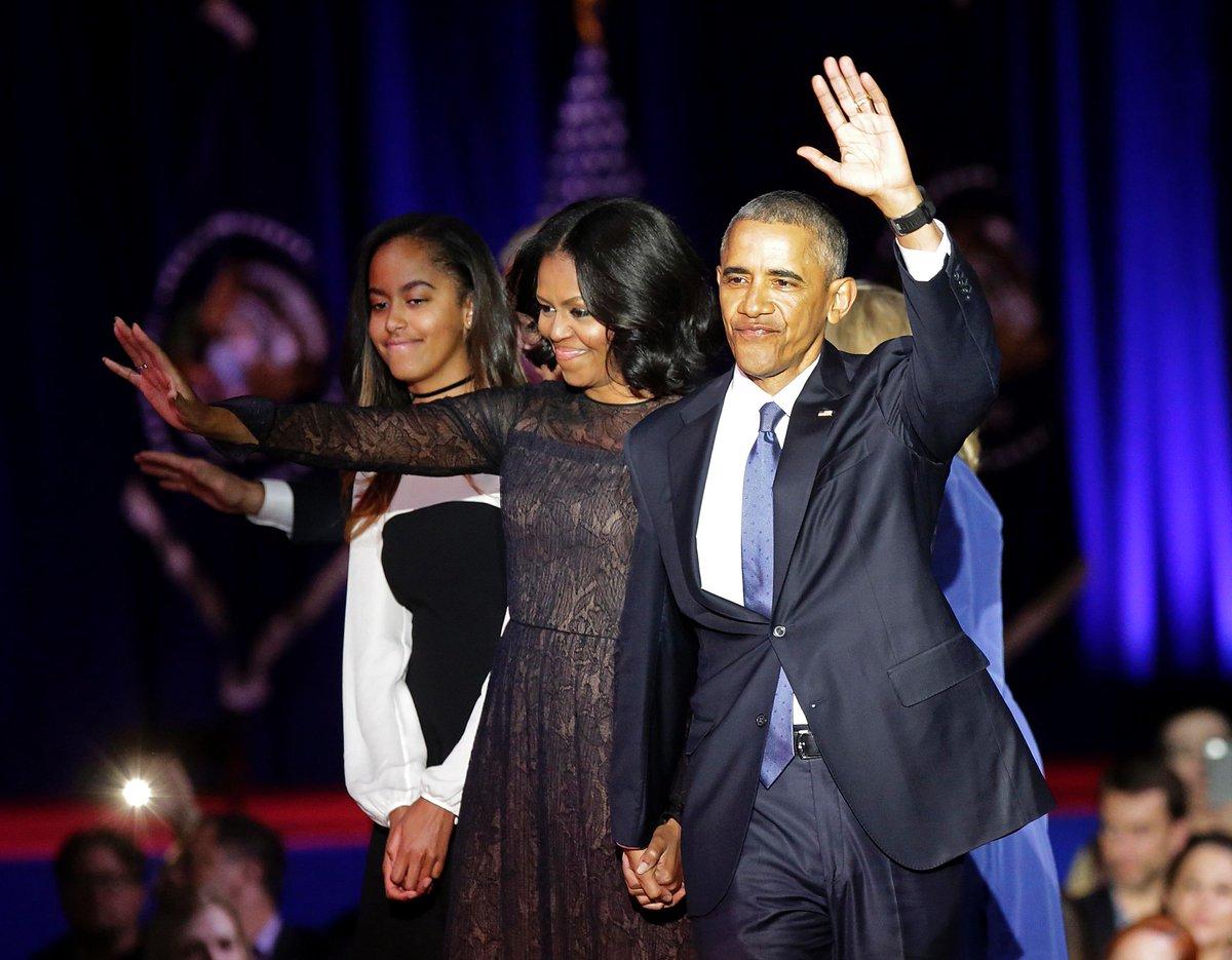 The Obama family help Malia Obama move into Harvard. https://t.co/LrhYVDGvLv