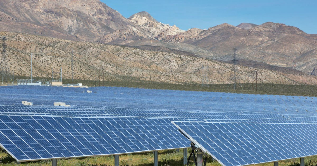 California continues to lead the US in renewable energy  http:// engt.co/2iqVn4y  &nbsp;   <br>http://pic.twitter.com/MuGSDxaSnm #Tech #Technology