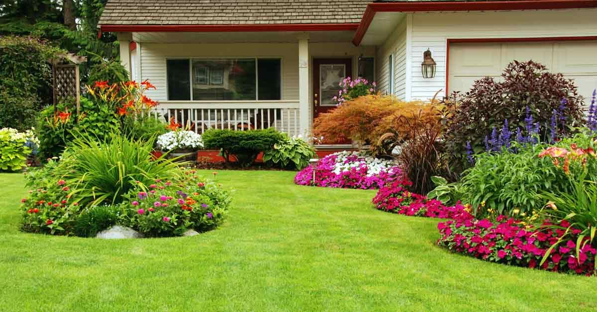 Enjoy a successful #lawn and a #yard full of lush, inviting green #grass, by following these steps:  https:// buff.ly/2wCg3cL  &nbsp;   #landscaping<br>http://pic.twitter.com/AWb3UArGvK