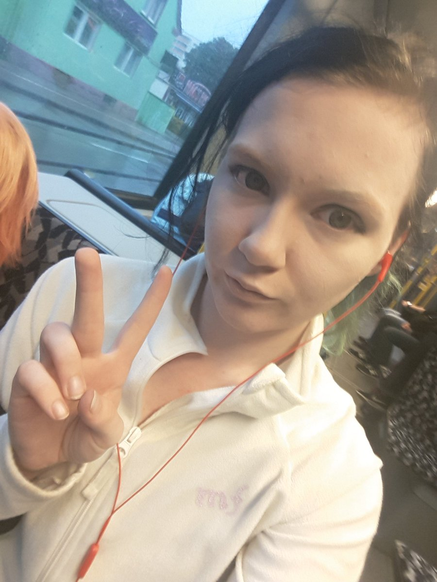 On to the contaku in Magdeburg Makeup sits already Afterwards only wig and cosplay I&#39;m already looking forward #contaku #Idolish7<br>http://pic.twitter.com/CjKrnZyzub