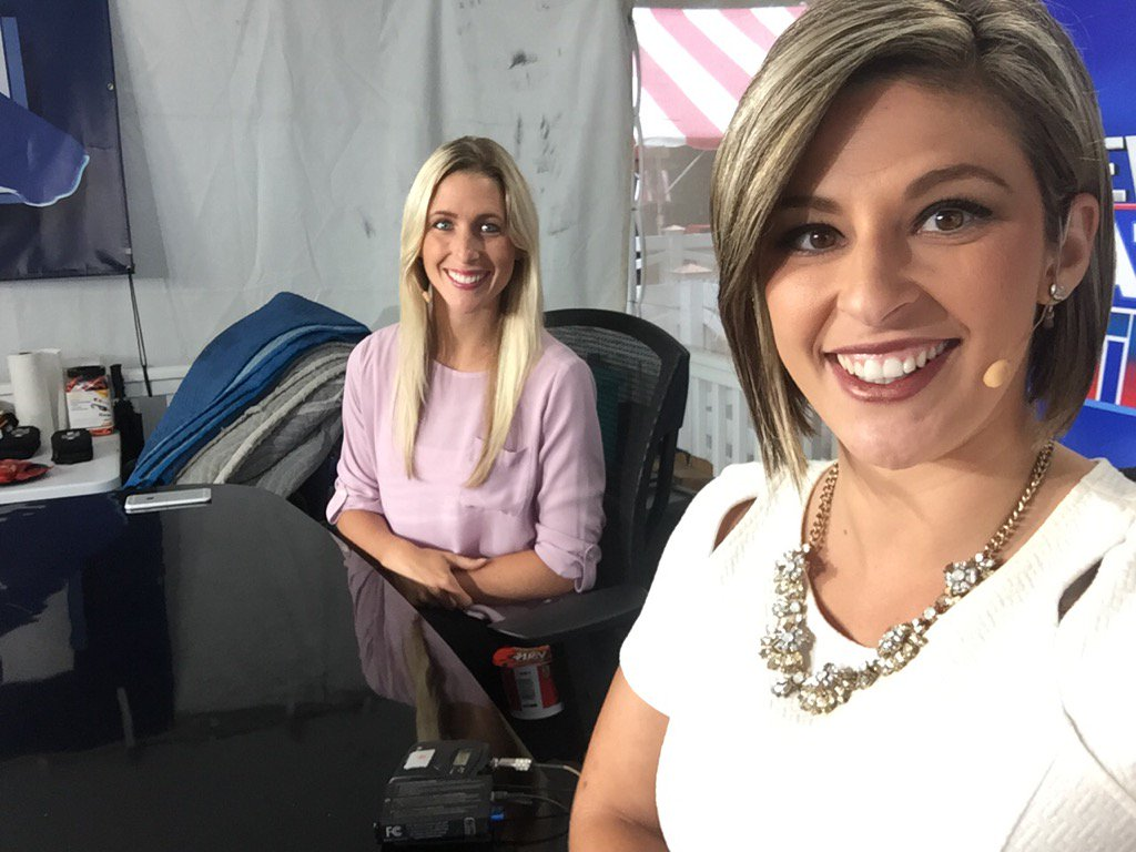 Just waking up? No worries, @LianaBonavita and I are back at 9am to another hour of news! #10inToga #WakeUpWith10 <br>http://pic.twitter.com/oxoXIKMkfd