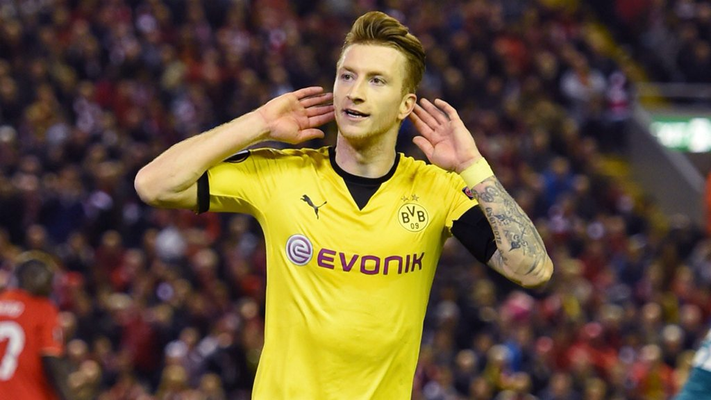 He is my favorite football player in the world !  #woody #HejaBVB <br>http://pic.twitter.com/87Gh8SvPzR