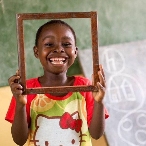 Te deseamos un #FelizFinde lleno de sonrisas como esta 😊 https://t.co/...