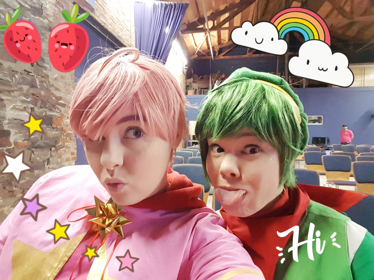 We&#39;re at #Contaku as Gijinka!Kirby and Gijinka!Yoshi. This is our view to the stage while we are not there ourselves #hosting<br>http://pic.twitter.com/dyhlt9Iwt6