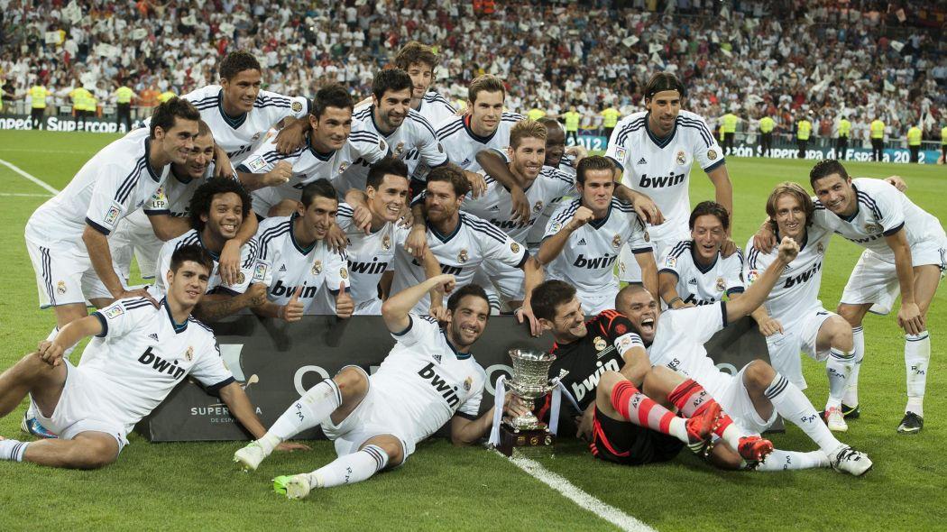 Le #Clasico en Supercoupe d&#39;Espagne  1988 Real Madrid  1990 Real M.  1993 Real M.  1997 Real M.   2011 FC Barcelone  2012 Real Madrid  <br>http://pic.twitter.com/Qpm7HGAMBm