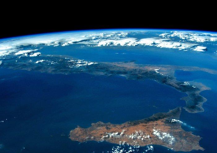 Buongiorno #Italia! // Good morning #Italy! #VITAmission #EarthfromSpace https://t.co/YnOYCPg6ap