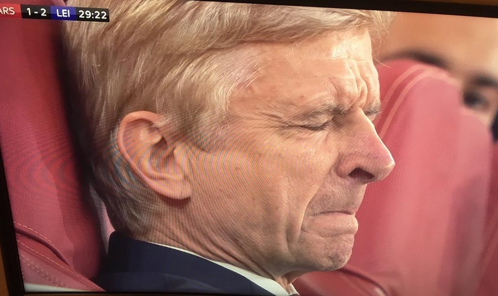"""When you want to tweet """"mignolet out"""" And u remember karius Is 2nd choice https://t.co/9gCUc63lMA"""