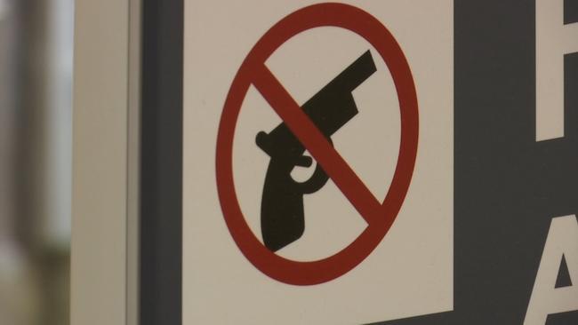 Unloaded ammo clip gets Georgia man arrested on trip to New York City  http:// goo.gl/WmhN2F  &nbsp;    #atlanta #AtlantaAlive #GA <br>http://pic.twitter.com/z4dqHbwagZ