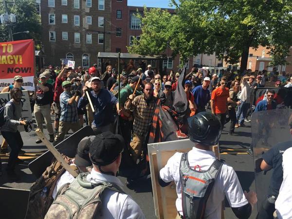 米バージニア州で白人至上主義団体が反対派と衝突 けが人も sankei.com/world/news…