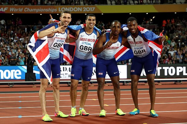 Oh, what a night!!!! 🇬🇧🇬🇧🇬🇧🇬🇧  🥇37.47 WL + British Record  🥈42.12   #SquadGoals #REPRESENT