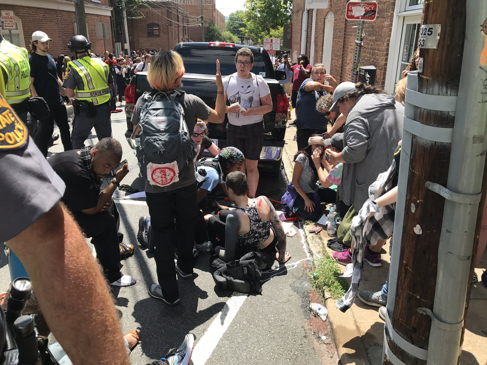 BREAKING: Several people hit by car in #Charlottesville. Multiple injuries. #altright #unitethe right @CBSNews https://t.co/47Yya6i2HT