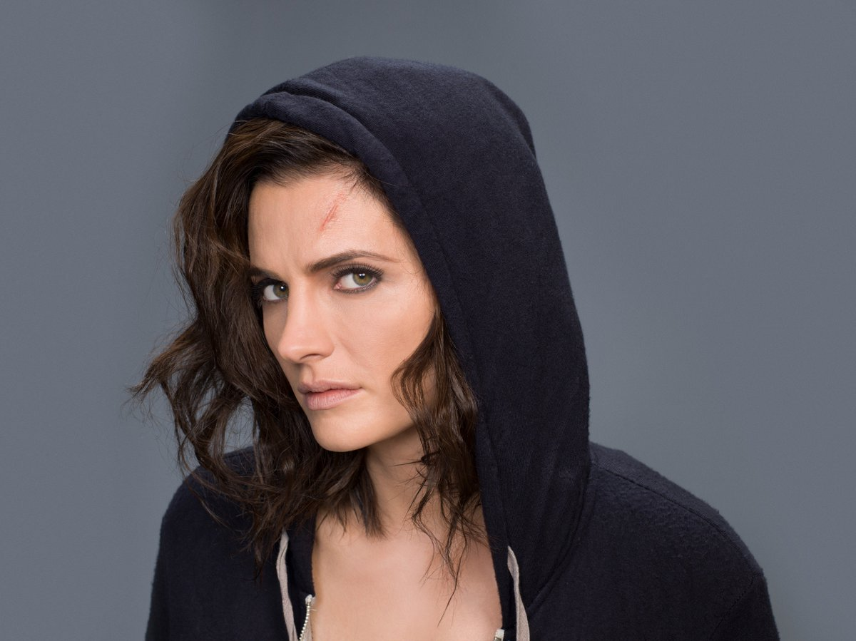 Promotional photo of Stana Katic as Emily Byrne in #Absentia in HQ (8272×6200)   http://www. entupantalla.com/wp-content/upl oads/2017/08/STANA-KATIC-3.jpg &nbsp; … <br>http://pic.twitter.com/DJzfqlkSs9
