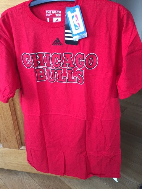 This @Bulls_DCUK large tee is available for £17    email camlans@yahoo...