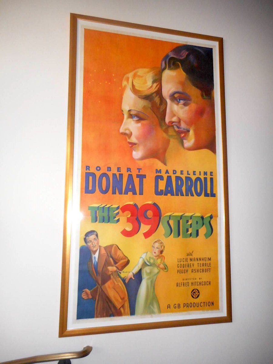 An original #threesheet #movieposter for The 39 Steps, by Alfred Hitchcock, 1935. #StanfordTheatre <br>http://pic.twitter.com/zowYI9ULPQ