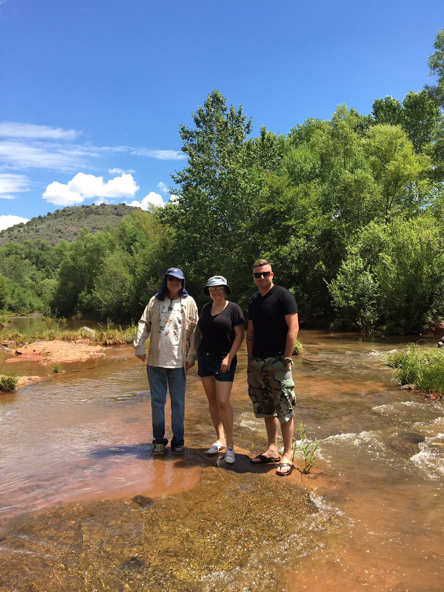 Saturday in Oak Creek with @MeghanMcCain & Jimmy McCain #Arizona https://t.co/Pz6QLXXH23
