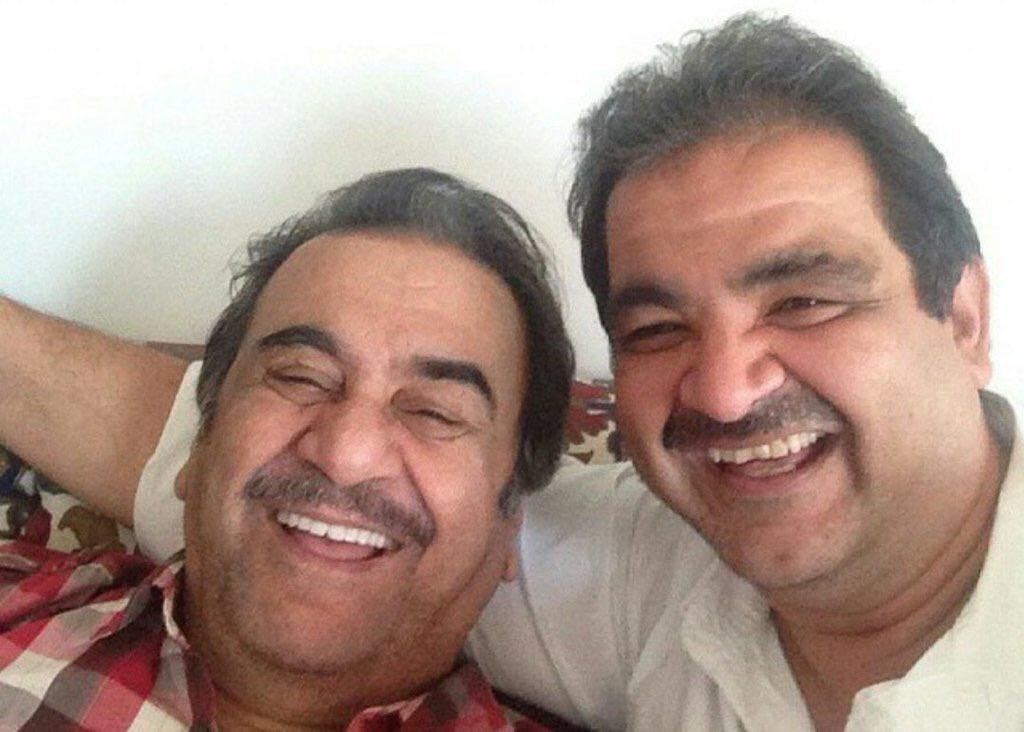 """المجلس على تويتر: """"بشار عبدالحسين عبدالرضا يكشف اللحظات الأخيرة لوالده قبل رحيله من الدنيا .. ويضيف بأن ما يؤخر نقل الجثمان إلى الكويت هي إجراءات المستشفى.… https://t.co/GnJFtIwBcd"""""""