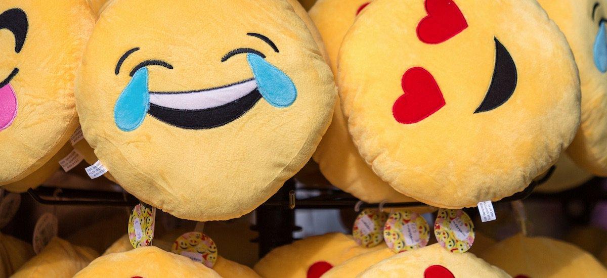 DYK: Using emoji in Tweets is shown to increase engagement by 25.4% 😉😍🤓 ow.ly/Y13u30elLU3 The emoji marketing guide