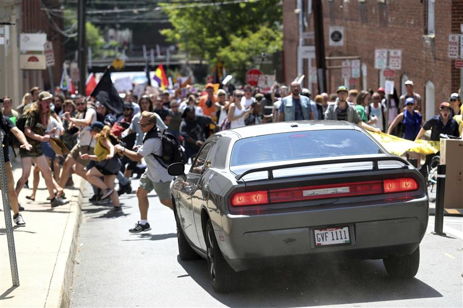BREAKING: Car that plowed into a crowd in #Charlottesville had a Lucas Co. license plate.  https://t.co/dCsP4p9VCv
