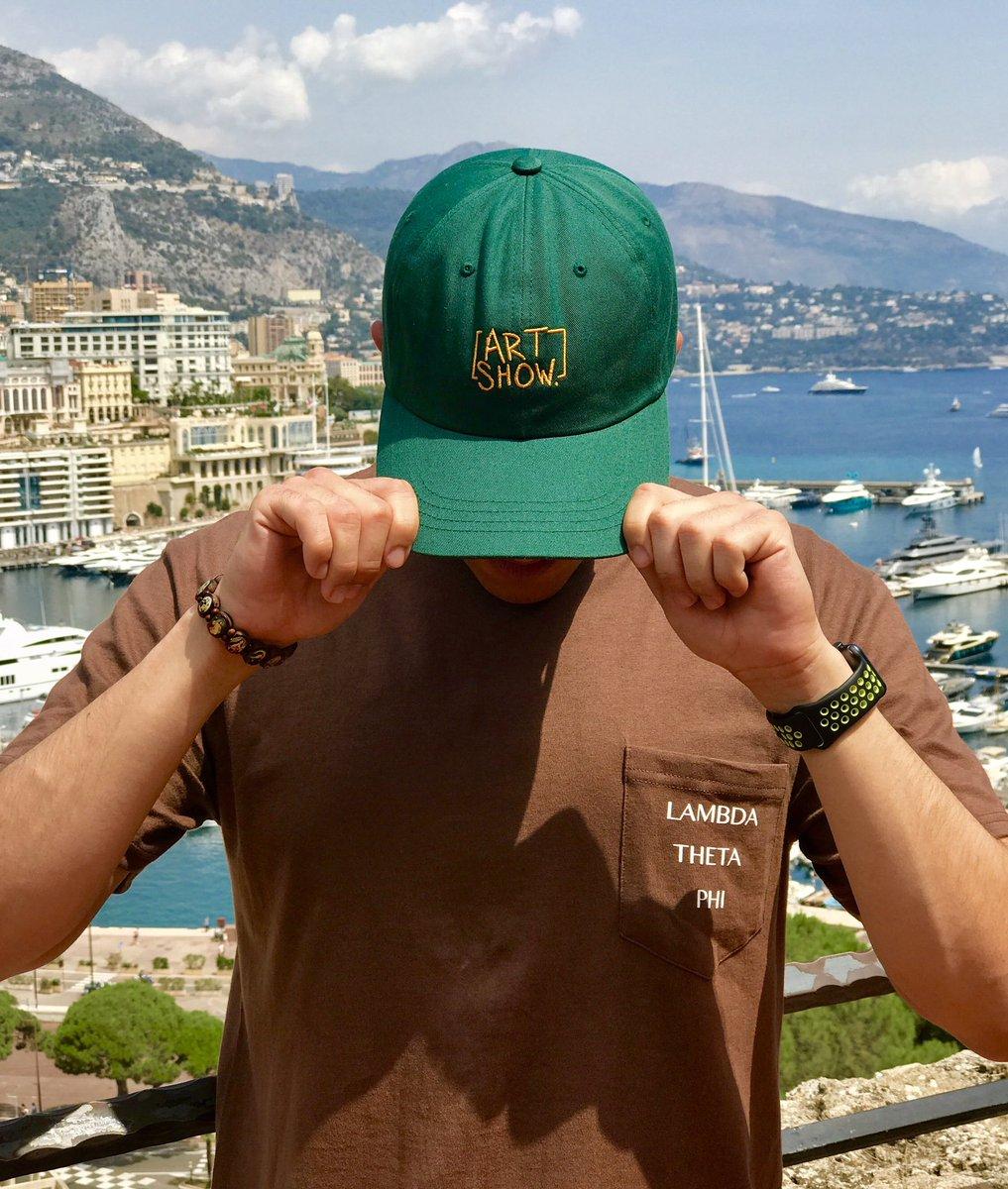 On the other side of the world promoting friend&#39;s business @ImIvanCalderon @dannirovnak @siuoLbackwards @ArtShowTampa #Monaco  <br>http://pic.twitter.com/9uFvXeJqMO