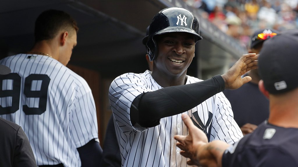 Didi gets his 2nd hit of the day then scores on an Ellsbury groundball to cut the deficit to 5-3 heading to the 5th. https://t.co/bu0L8zvjSh