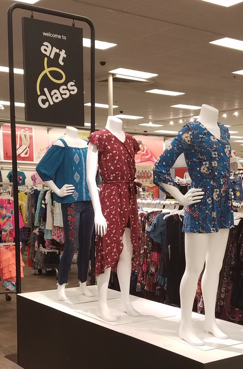 The girls got a fresh new look for the weekend!  #t1467 #drivingsales #backtoschool<br>http://pic.twitter.com/X2KEEGYCUY