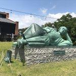 リョーマの休日・・・。一発ギャグの為に銅像にさせられる坂本龍馬!