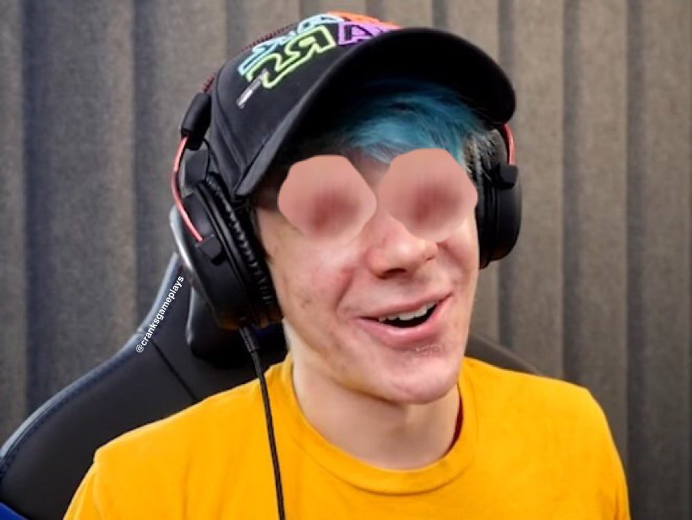 #crankycomments crankgameplays who? I only know THE nipplegameplays  <br>http://pic.twitter.com/CcGfP4QF3t