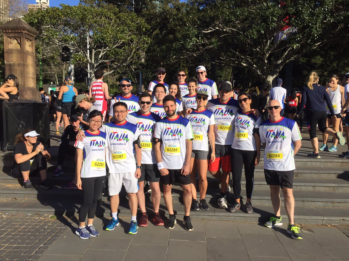 Team Visit Italy is ready #city2surf Syd...