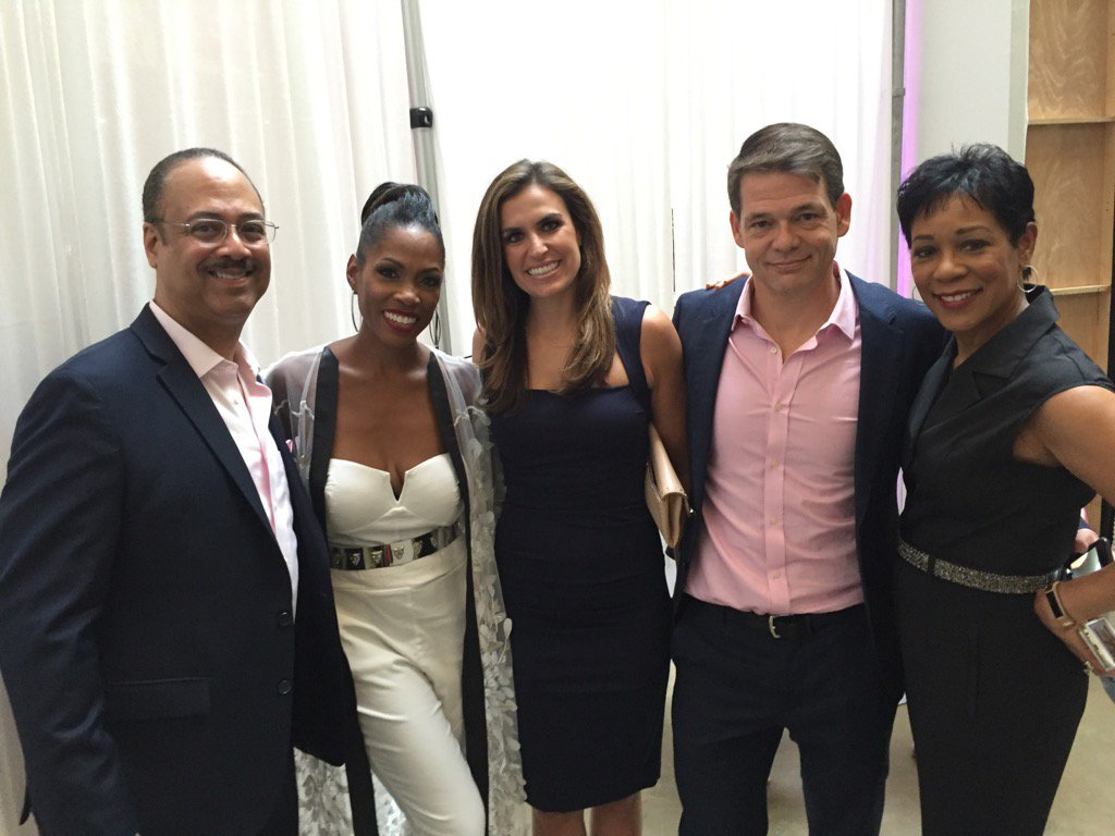 At @Fox5Shawn #GNObySY event with @ErinFox5DC @TuckerFox5 and @abuddy. #good cause<br>http://pic.twitter.com/3Ur2sF9O86
