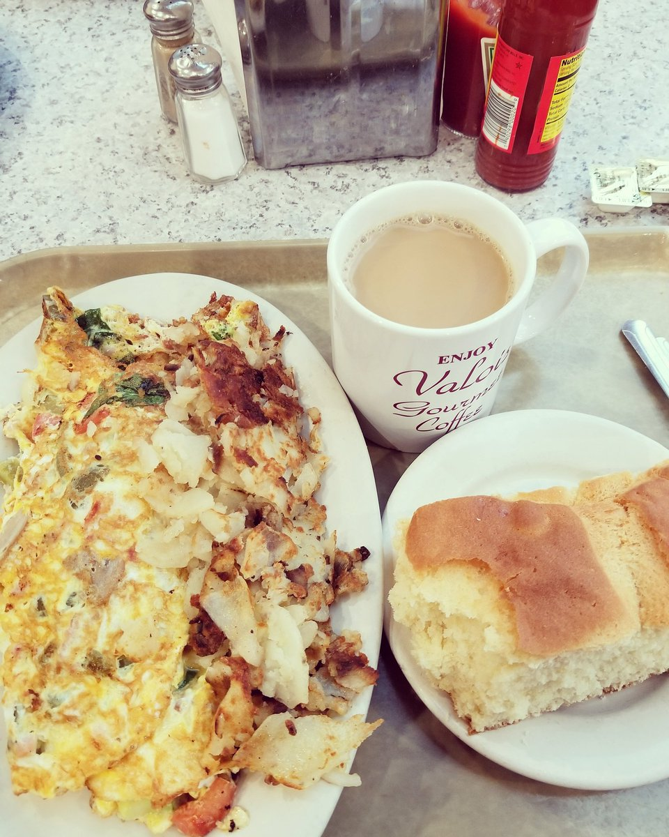 Breakfast as Valois is always the best. #valois #fitfatman #breakfastclub #fitfat  #chicagofoodauthority #fitfatman #fitfam<br>http://pic.twitter.com/zIcKffoTbT