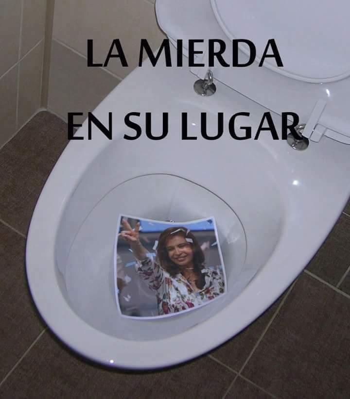 Si creés que #CFK es una chorra, caradur...
