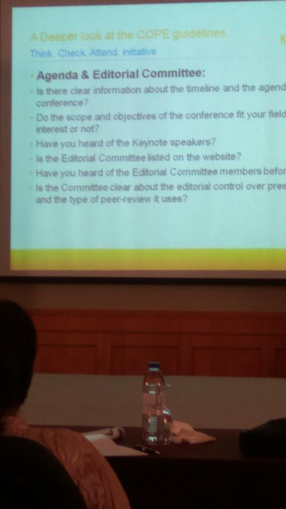 Think and check before before attending conferences @momoostafa @KnowledgeEJLT @Editage #ACSE2017 <br>http://pic.twitter.com/DnOb6WwTXk