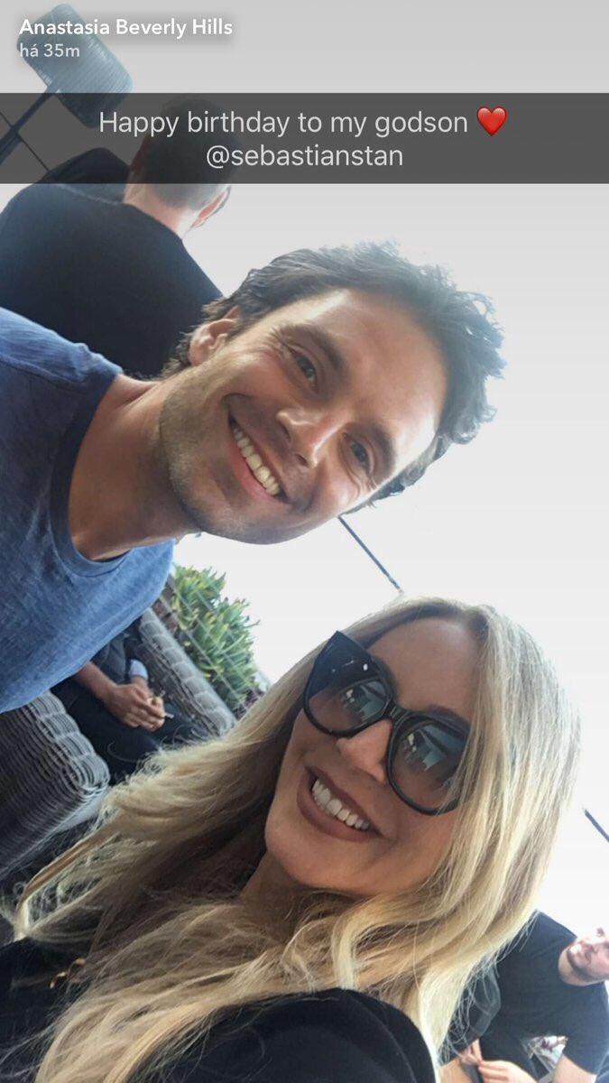 Nouvelle photo de #SebastianStan avec sa marraine Anastasia Soare (Anastasia Beverly Hill). #HappyBirthdaySebastianStan  ©ABH Snapchat<br>http://pic.twitter.com/PnpQHUaNUf