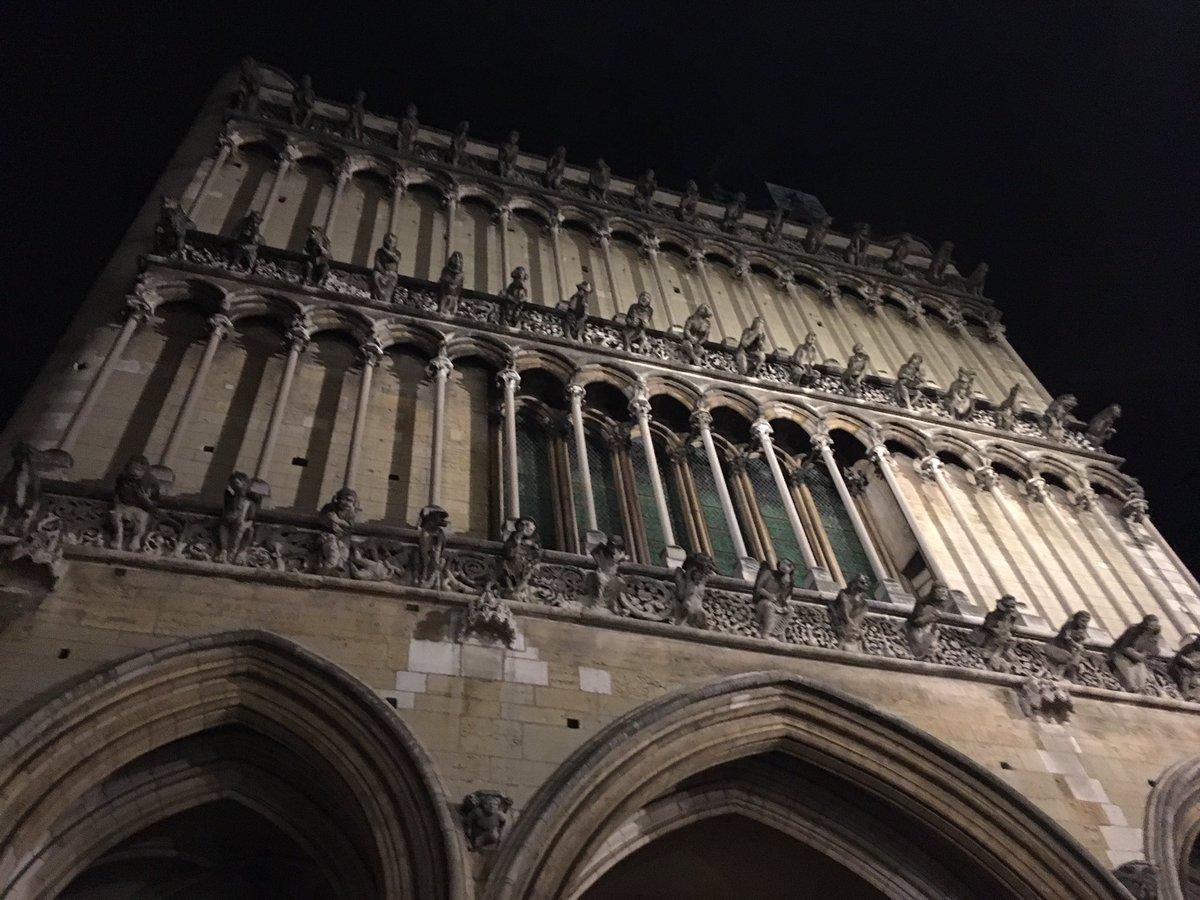 #Dijon at night @DebbieMorgan19 @LewisY1993 @EllisY1997<br>http://pic.twitter.com/yhYCYBvcf4
