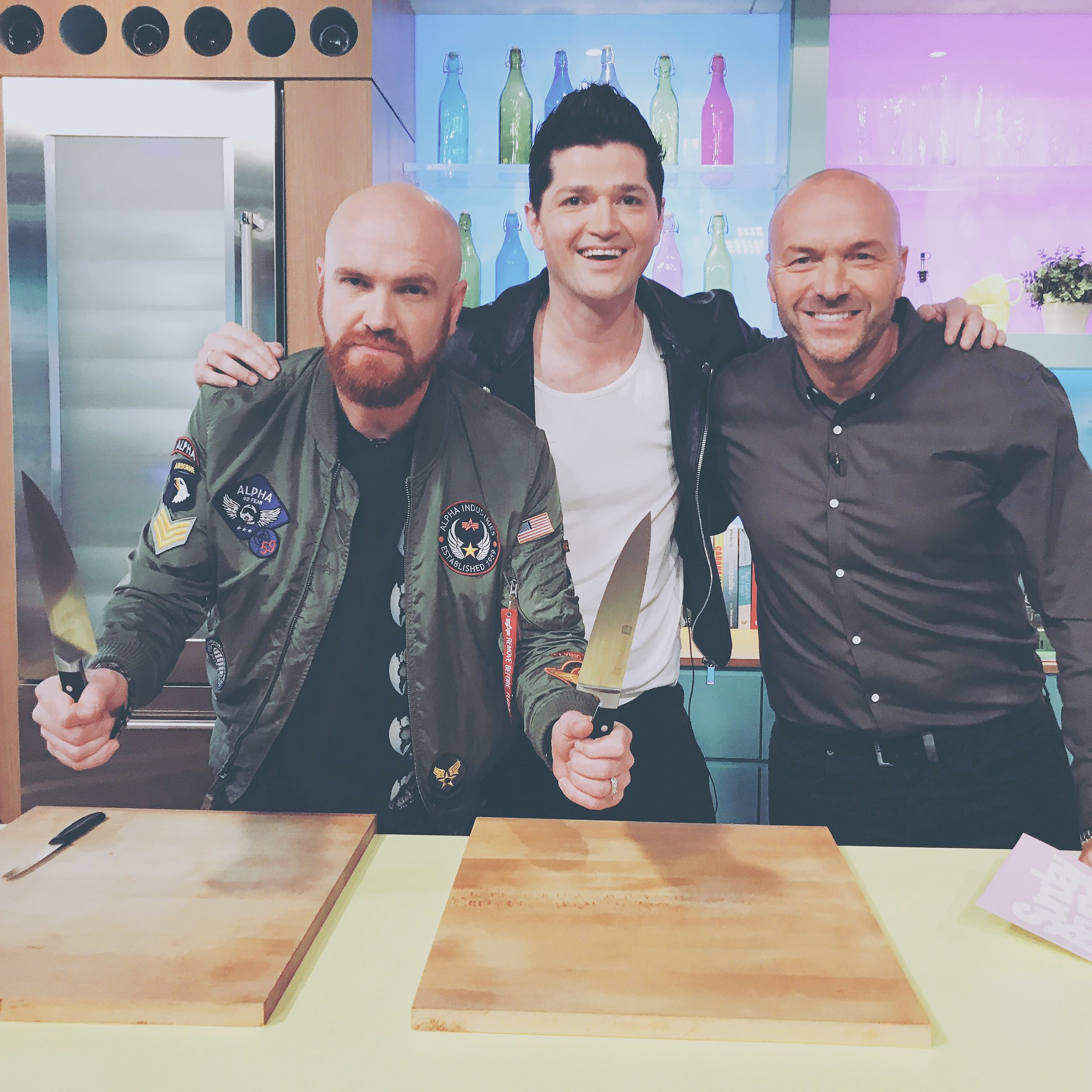 RT @thescript: If you're tuned in tweet us with #TheScriptRain ⛈ https://t.co/iD0fq2ubGA