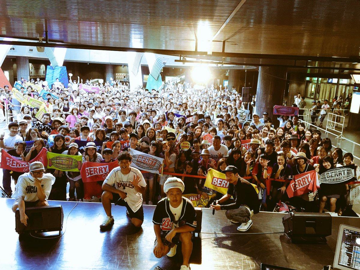 🎵「SING SING SING 5」  発売記念ミニライブ!! @なんばOCAT ポンテ広場  沢…