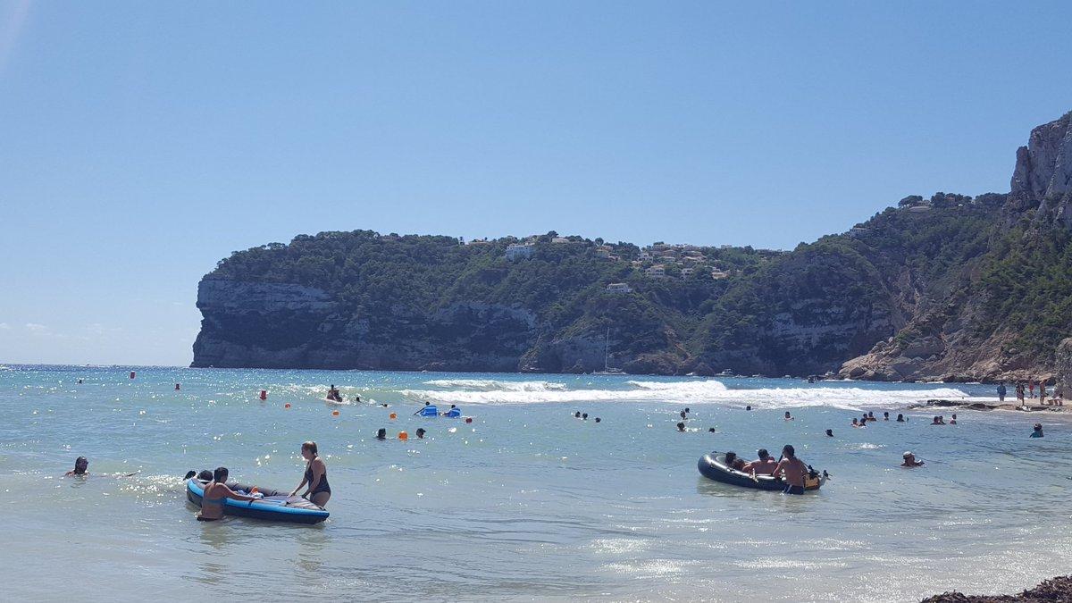 Relax total en Playa del Portixol. Relaxing on Portixol beach. #javea #portixol <br>http://pic.twitter.com/MYB08zC71T
