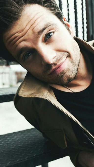 Happy birthday to my happiness aka sebastian stan!!