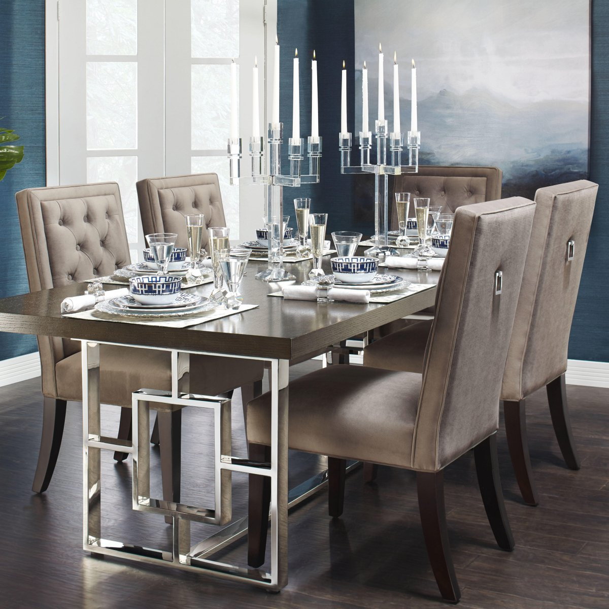 Rylan Dining Table Extends
