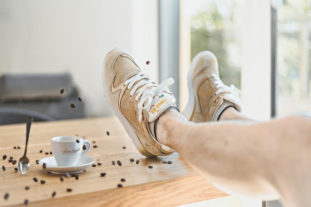 Lutz Brepresent sent us some creative shots of the Footpatrol x Diadora V7000FP &#39;Macchiato&#39;. See more:  http:// bit.ly/2vX0wqa  &nbsp;   #Footpatrol <br>http://pic.twitter.com/l4F61DNxwC