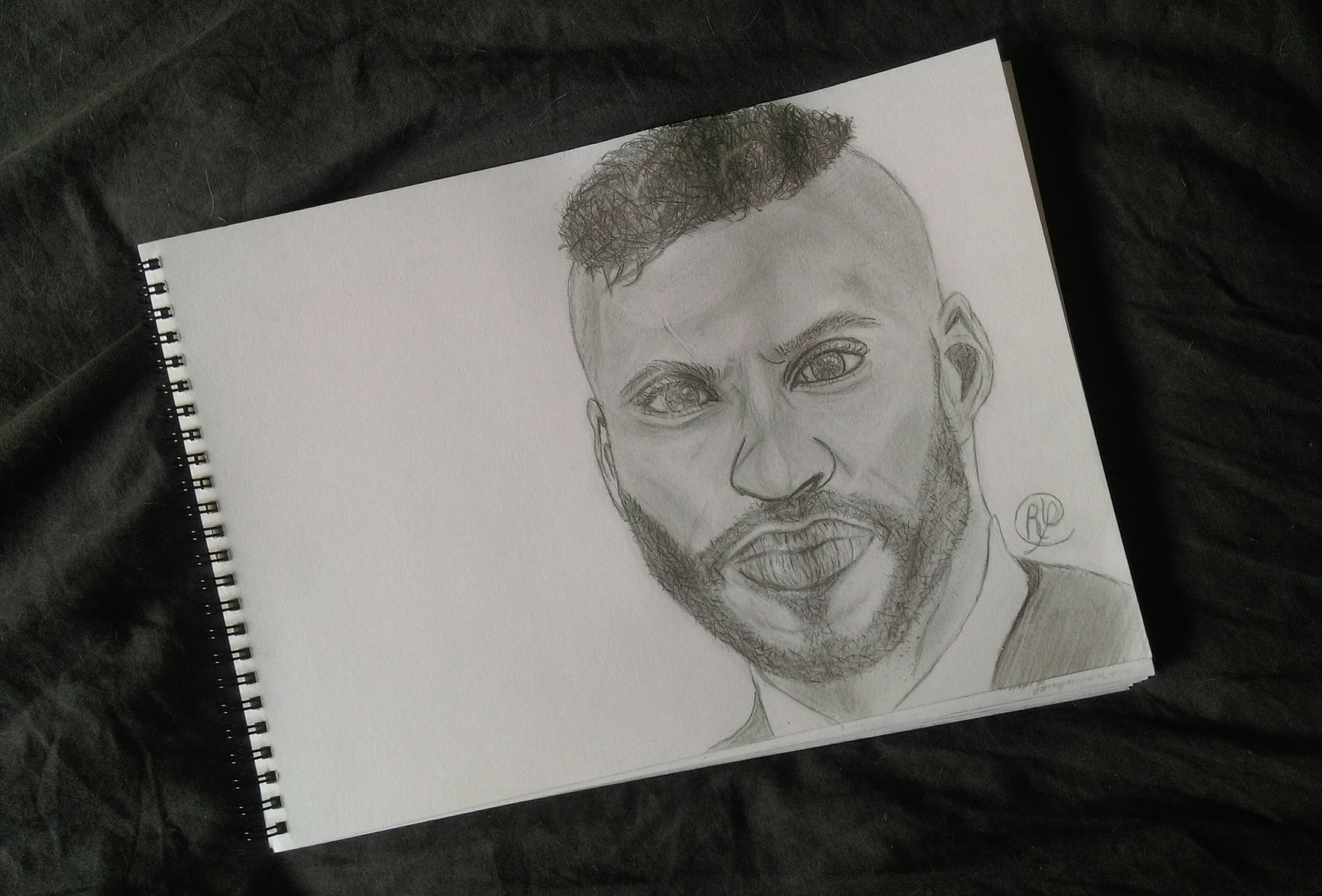 RT @Cloe_ry: @MrRickyWhittle It's always a pleasure to draw you sweetie! Je t'aime❤󾓧 https://t.co/72lPIC6Wge