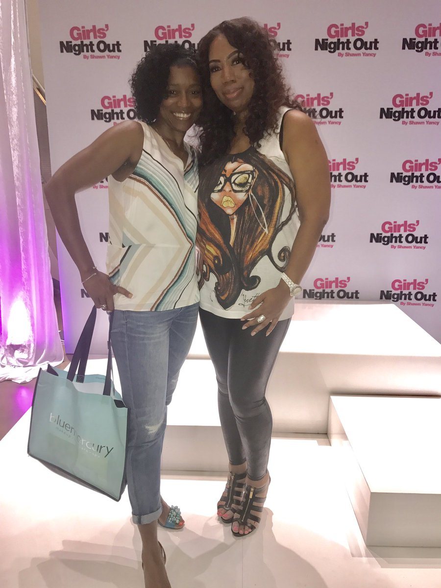 Hanging w/ @advertisingdiva for an amazing cause @ #GNObySY #GiveBack @Fox5Shawn @ShawnYancy @BlushMaryland @deana_bass @BassComms<br>http://pic.twitter.com/TgJR7IwZZu