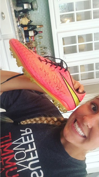 Happy Birthday Allie Long! Thanks for giving me your cleat 2 years ago:) .... I\m a huge fan