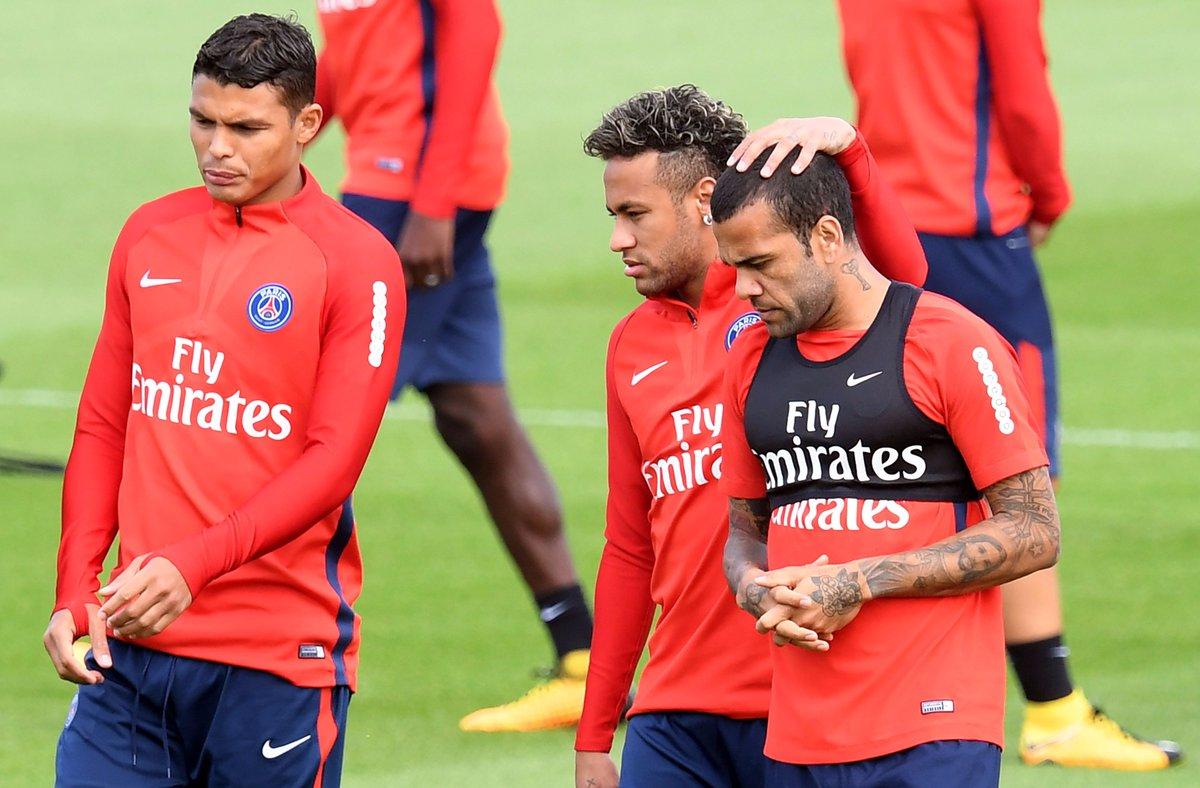 Neymar will make his #PSG debut tonight:  http:// bit.ly/2uAviFJ  &nbsp;    Guingamp v Paris @ 21:00CET #Ligue1<br>http://pic.twitter.com/bjRVzRkHxN
