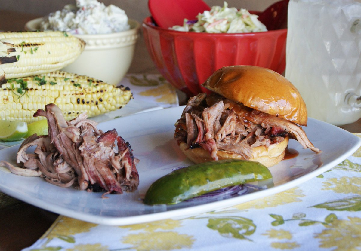Everyone needs a little pulled #pork in their life. #bbq #barbecue #food #foodie #socal #pulledpork<br>http://pic.twitter.com/yMVSUSxxhi