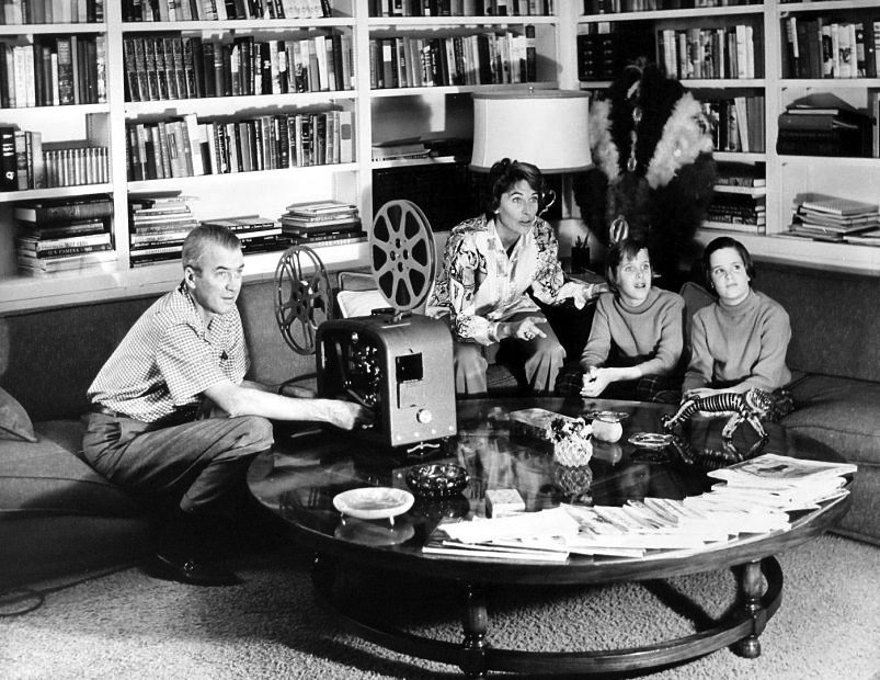 Jimmy Stewart and family watching movies. https://t.co/cSTOx26Kvc