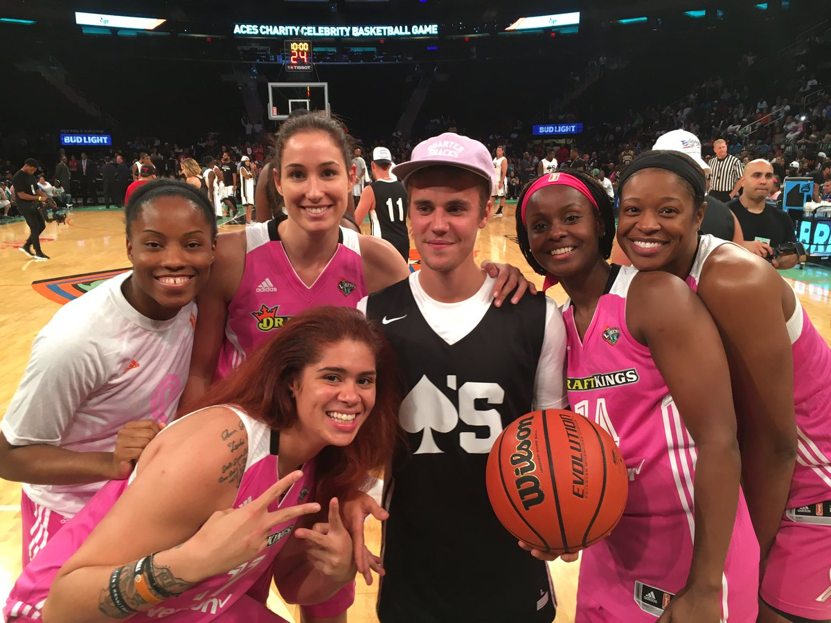 Liberty celebrating their win with @justinbieber! https://t.co/73W0umhZIY