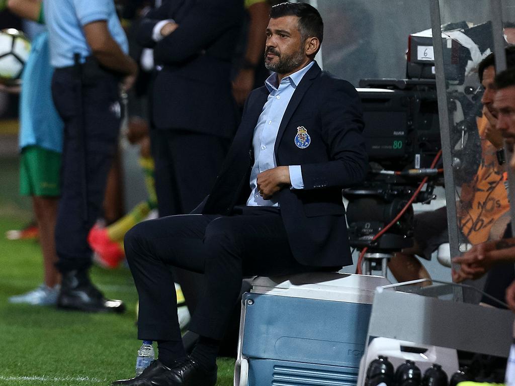 Conceição: «Elogios de Aboubakar? É difícil dizer mal do treinador quando se joga» https://t.co/cI9L1m2cEW